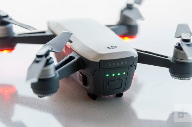 dji-spark-drone-foto testo